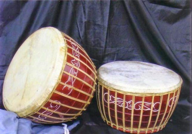 Alat musik tradisional Burdah atau Gendang Oku