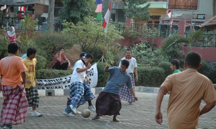 Bermain Bola Antar Pesantren