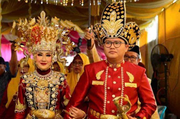Nama Pakaian Adat Gorontalo