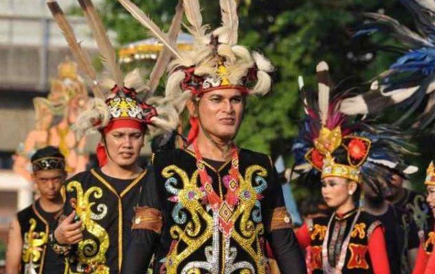 Pakaian Adat Dayak Kalimantan Barat